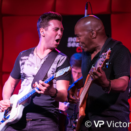 Laurence Jones (left) and Roger Ingiss performing at North Sea Jazz Club in Amsterdam (2015/08/21)